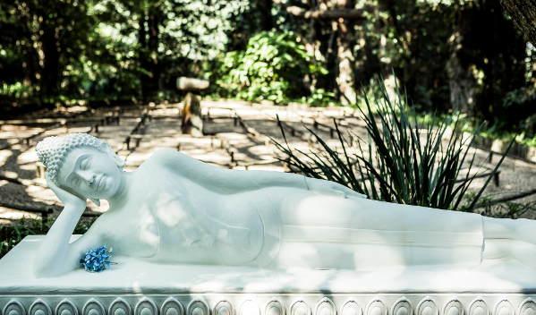 brc reclining buddha s laurenz 3632