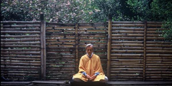 louis meditating