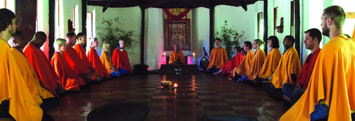 Intensive meditation retreats, international teachers