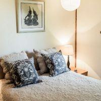 r-cottage-bedroom_SL_3233