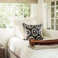 f-kuti-bedroom_SL_3682