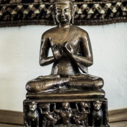 Buddhist statues, shrines and icons_10
